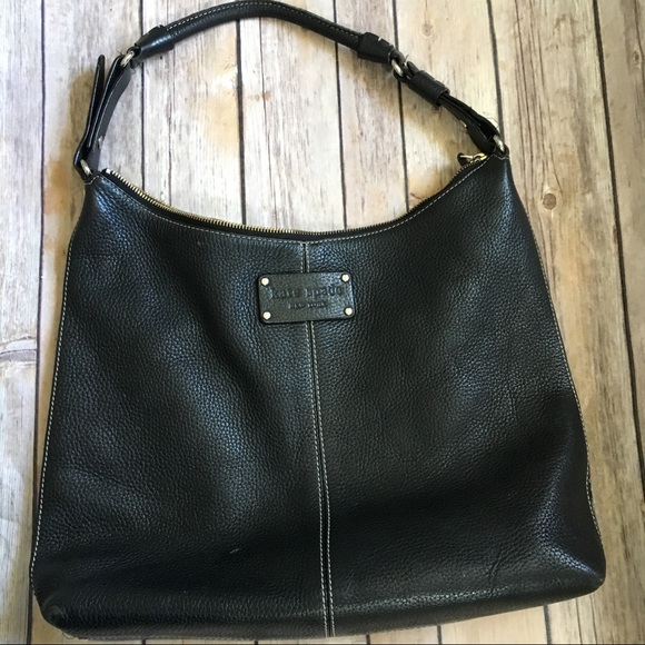 kate spade Handbags - Kate Spade pebbled leather shoulder bag